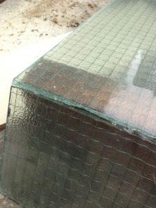 ガラス切りでガラスは切れました。