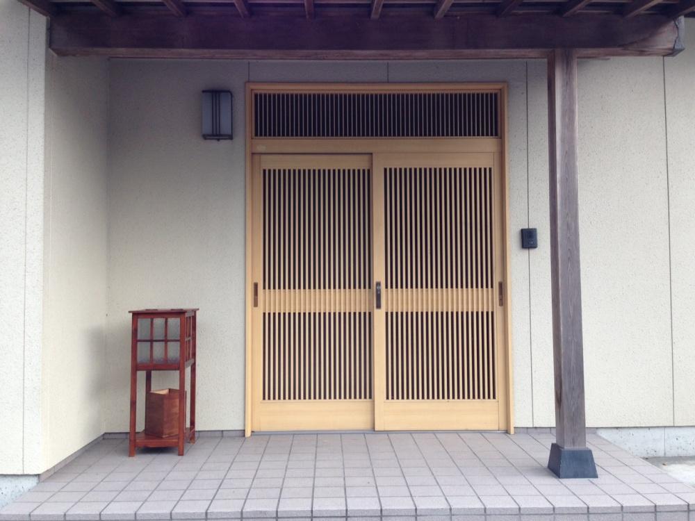 玄関に設置