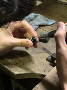 とんぼ玉の穴の処理