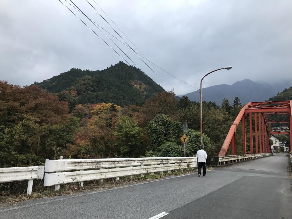 散歩道の平和橋