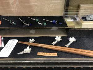 桜の箸置きアップ