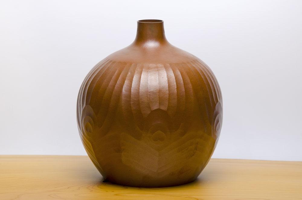 孔雀壷(銅 鍛金)