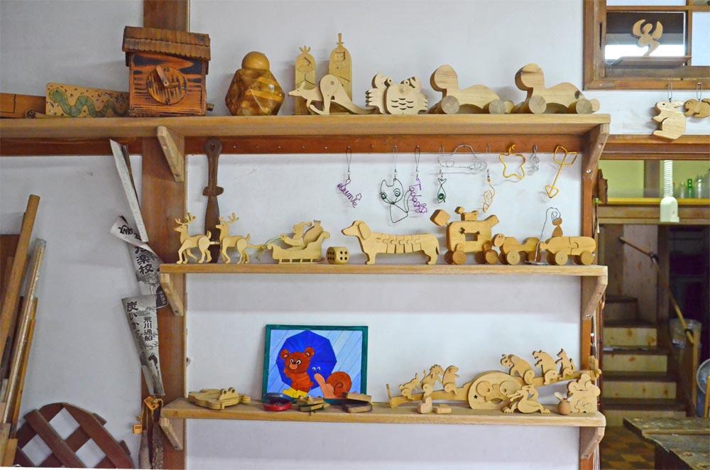 いたづら工作室 木工細工の見本棚